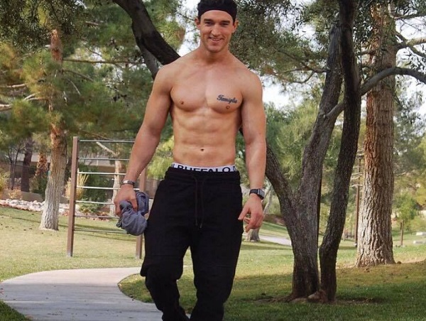 to hotgymnast from hotmuscledaddy