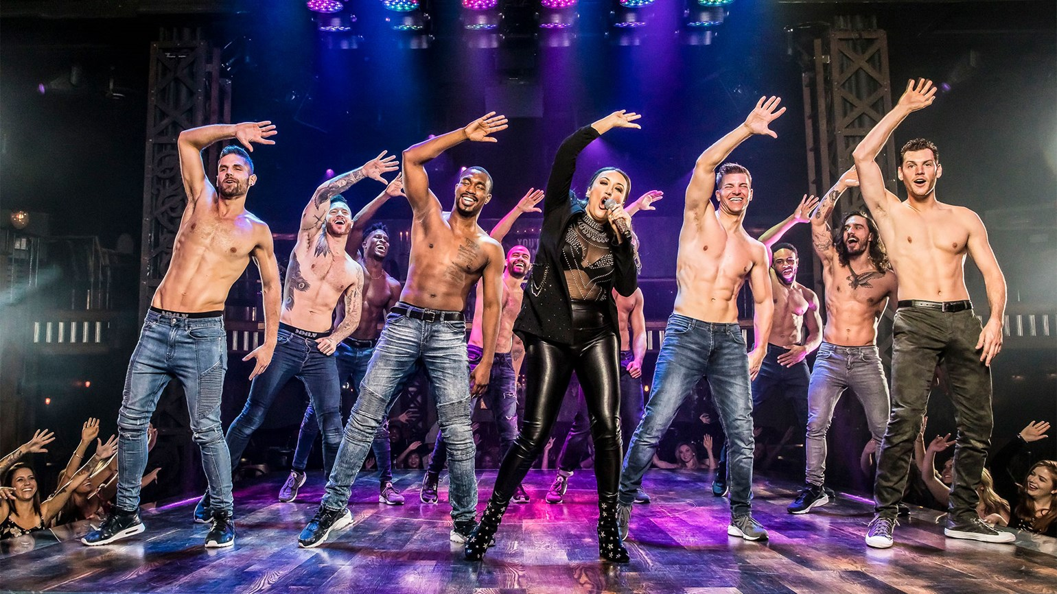 T1007MAGICMIKELIVE_C_HR