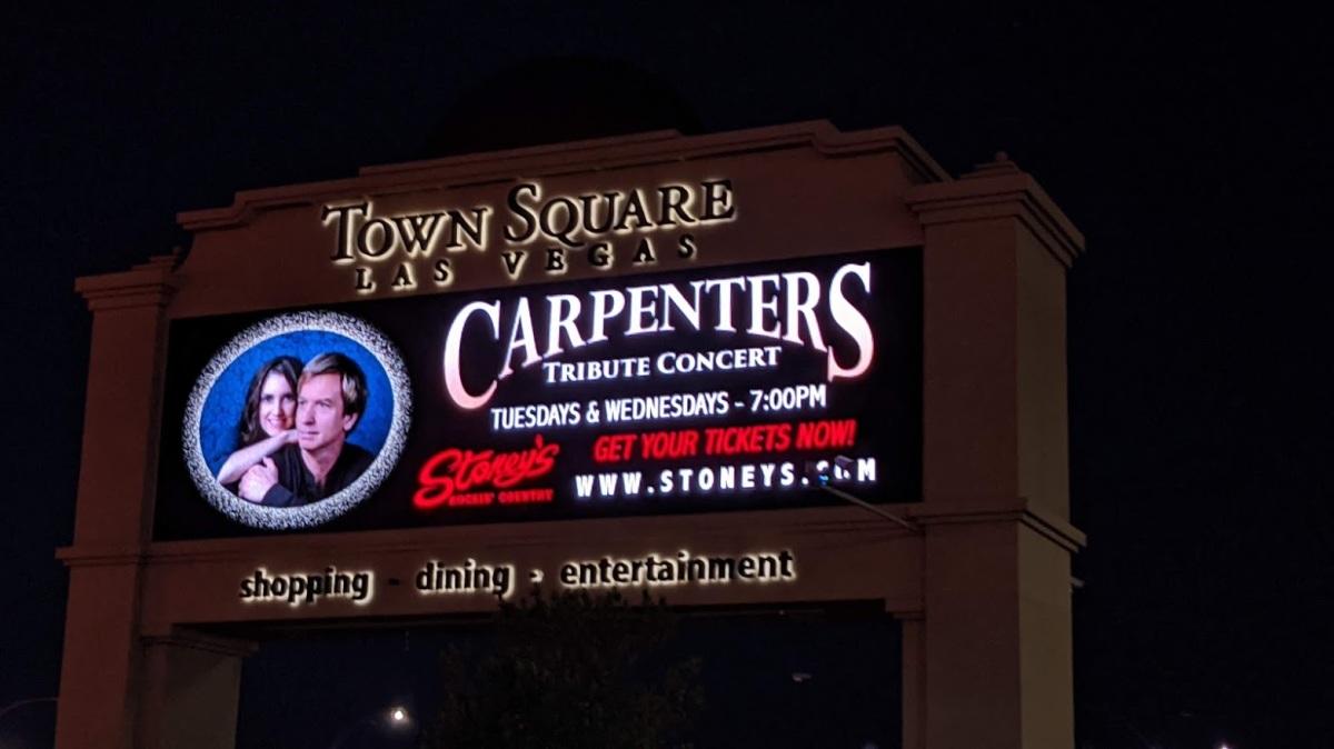 'THE CARPENTERS' Return In A Passionate TributeConcert